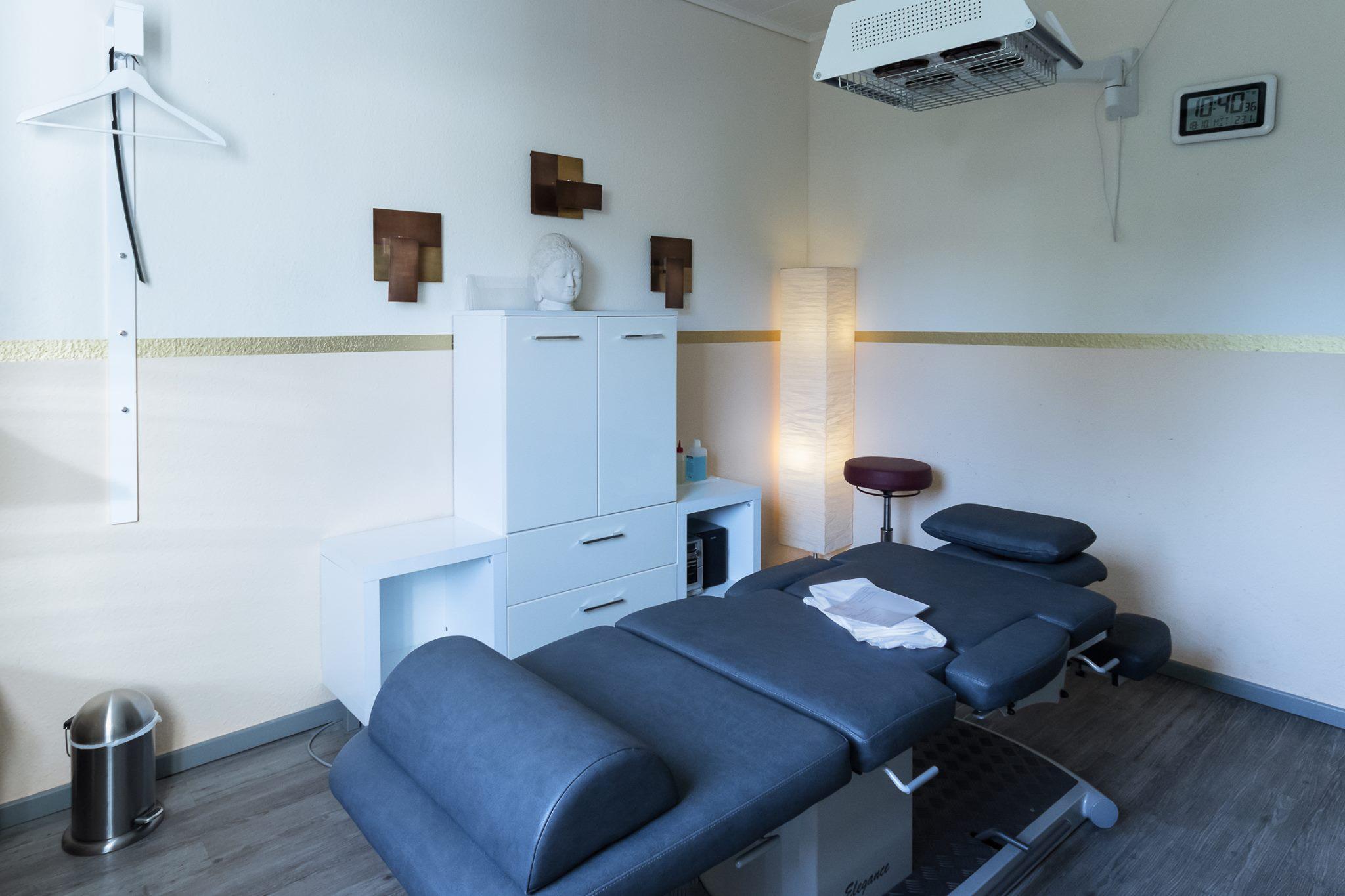 Behandlungszimmer2